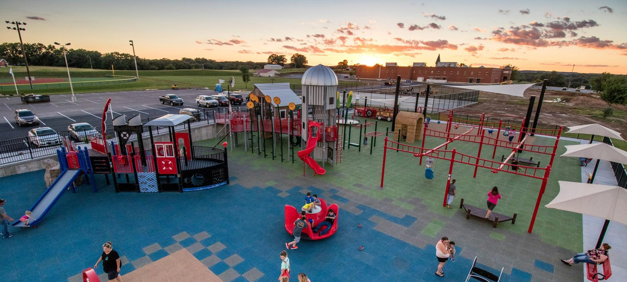 commercial recreational equipment & playgrounds